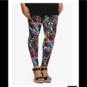 TORRID High Waisted Cathedral Print Legging Size 2
